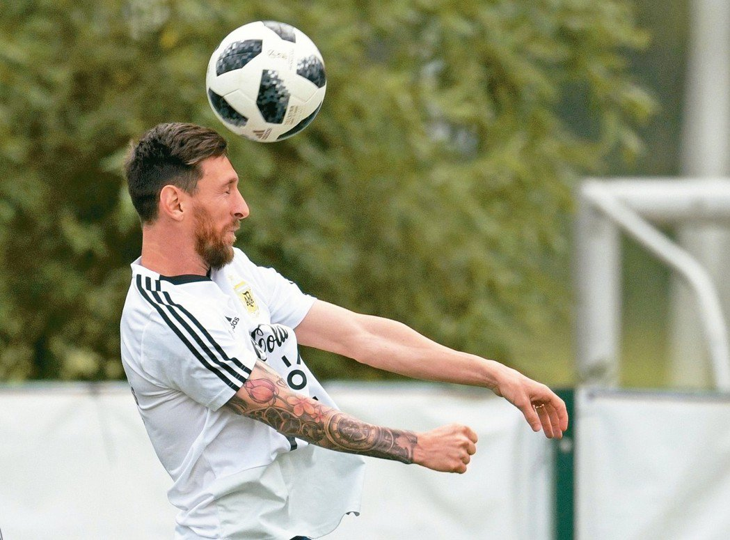 梅西是阿根廷搶勝寄望,賽前練習很賣力。 法新社