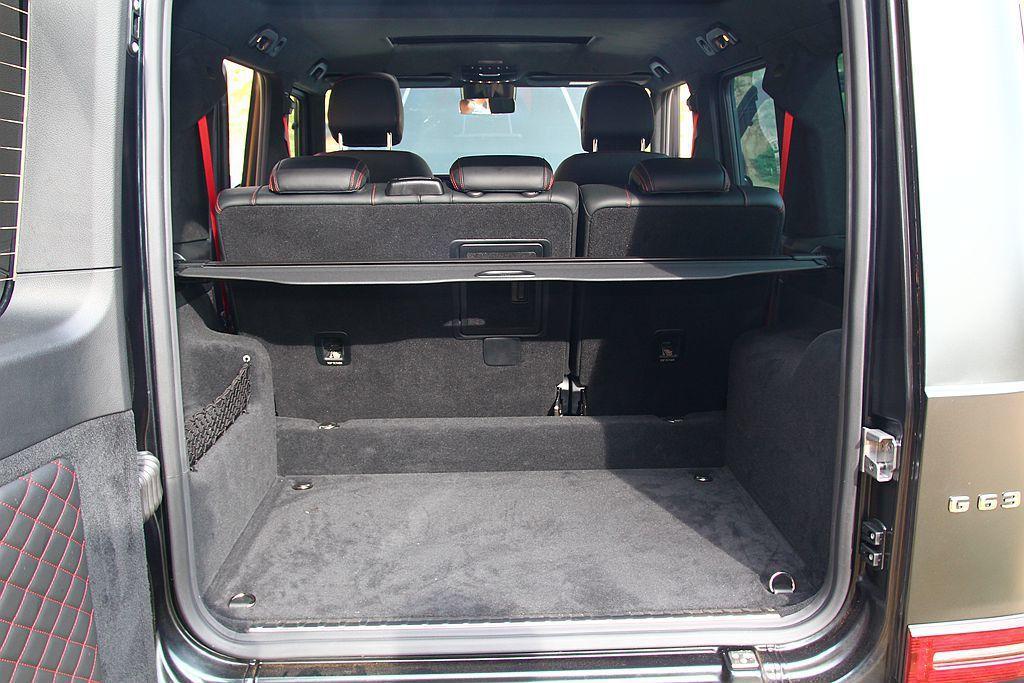 後行李箱容積也有454L,將第二排椅背打平之後可增加到1941L。 記者張振群/...