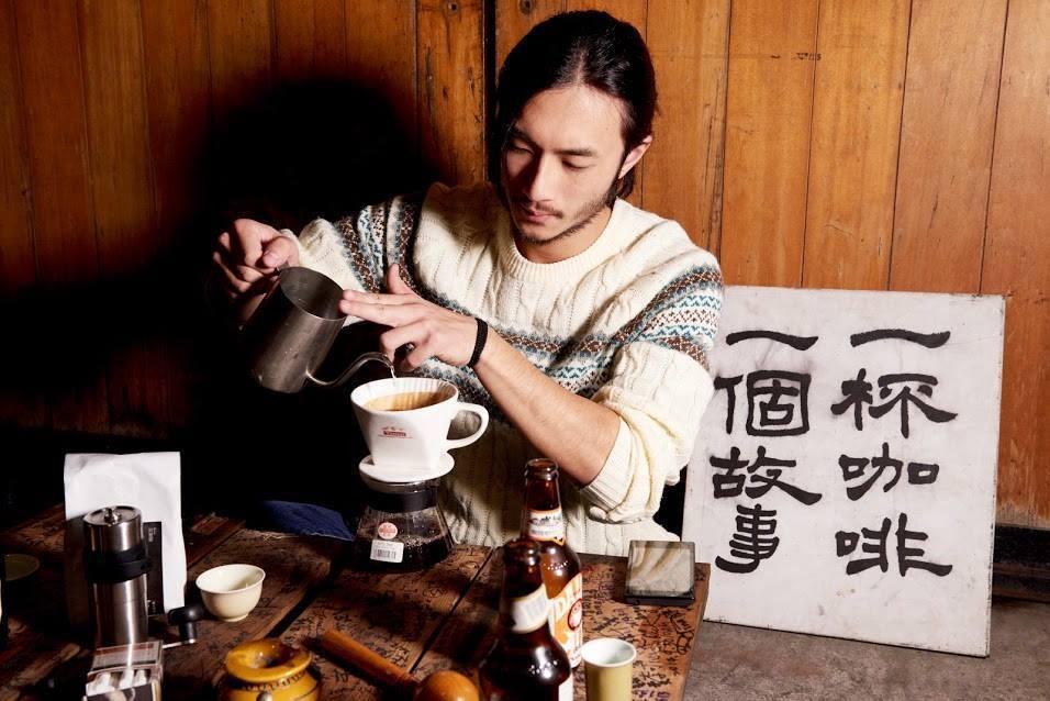 莊奕凡休學後透過「一杯咖啡一個故事」認識志同道合的夥伴。圖片來源/莊奕凡臉書