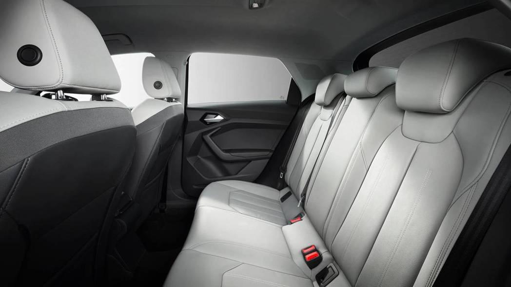Audi A1 後座空間已稍微增長一些。 摘自Audi