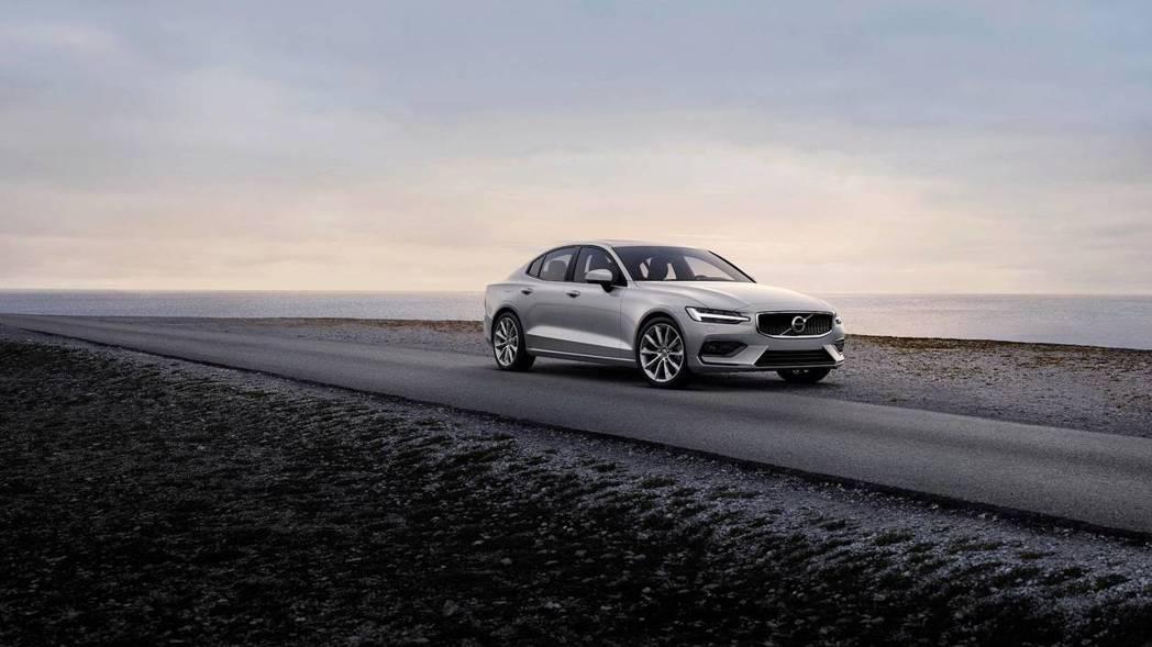 新世代Volvo S60成為Volvo首款未搭載柴油動力的車款。 摘自Volvo