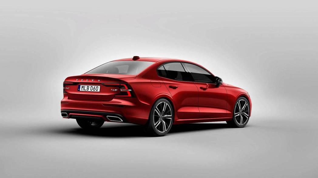 全新Volvo S60在發表後也隨即公佈價格。 摘自Volvo