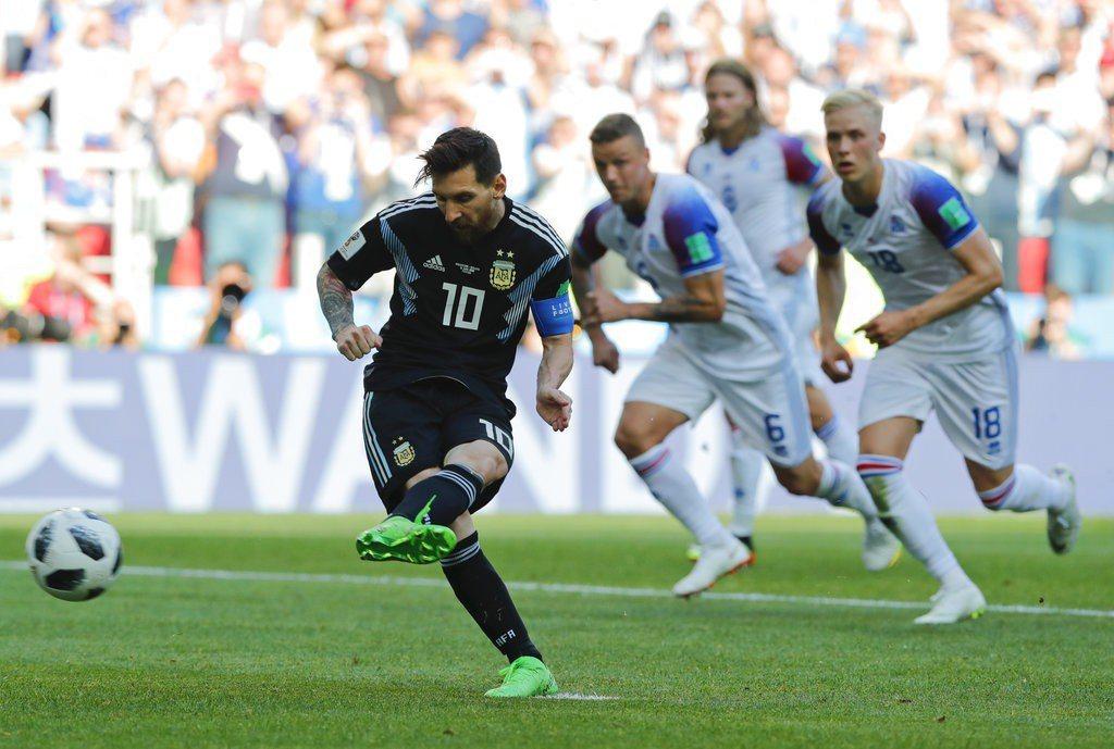 阿根廷幾乎成為梅西一人球隊,若得不到隊友支援恐怕,阿根廷恐怕難過讓分盤。 美聯社