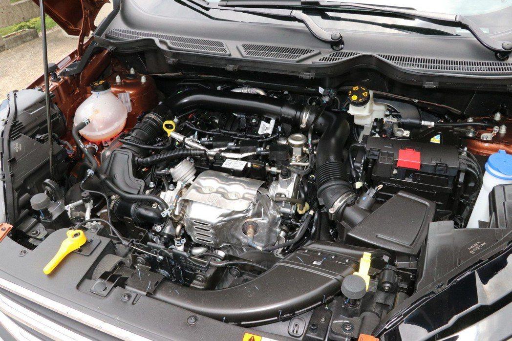 EcoBoost 125的1.0升渦輪增壓引擎,動力數據為125ps/17.33kg-m。 記者陳威任/攝影