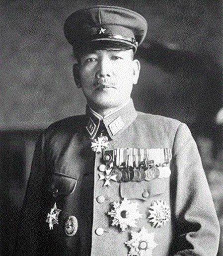 時任滿洲國陸軍將領的樋口季一郎也曾救助上萬名的猶太人,但他在歷史上卻完全不及杉原...