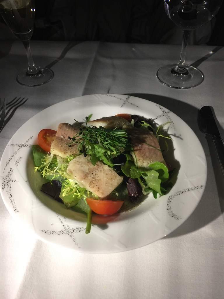 吃過就遺忘的燻鱒魚沙拉。圖/自TripPlus
