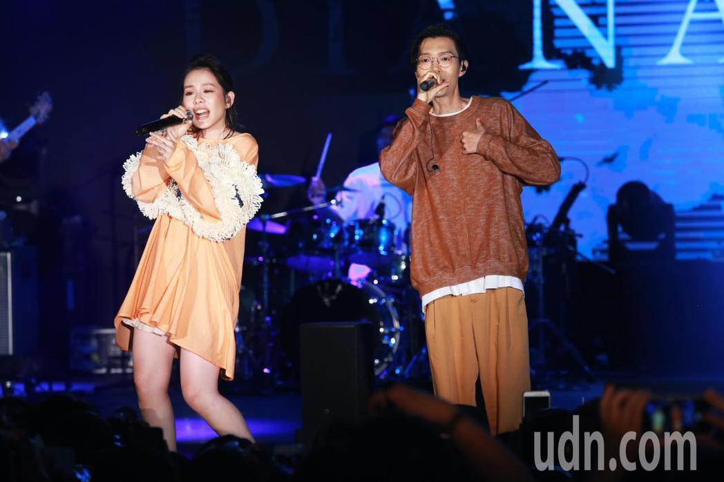 王詩安與方大同今晚在NeoStudio舉行的「金曲售票演唱會」中合體開唱。記者徐...