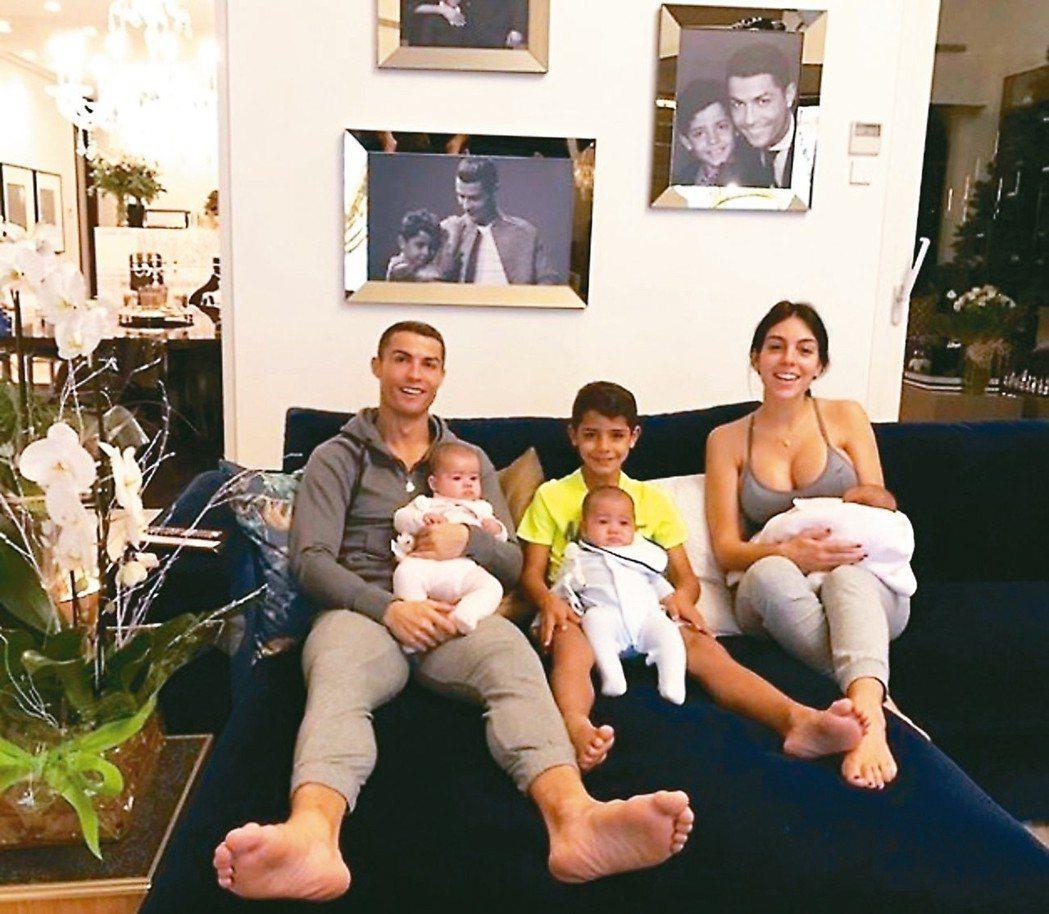 C羅現在是4個孩子的爸。 圖/摘自IG