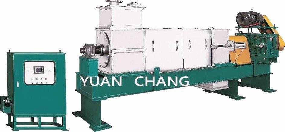 元錩工業研製重負荷製程型螺旋式擠壓脫水機。 元錩工業/提供