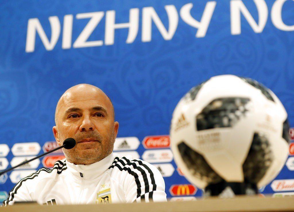 慘敗克羅埃西亞,總教練森保利賽後懇請阿根廷球迷原諒。 美聯社