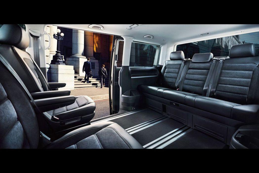 福斯商旅T6廂車可滿足客戶在工作、通勤、日常休閒或是旅遊等不同面向的用車需求。 ...