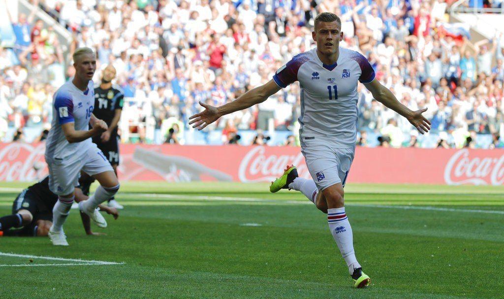隨著阿根廷慘敗給克羅埃西亞,讓冰島晉級情勢大好,面對拙攻的奈及利亞肯定會拚全力搶...