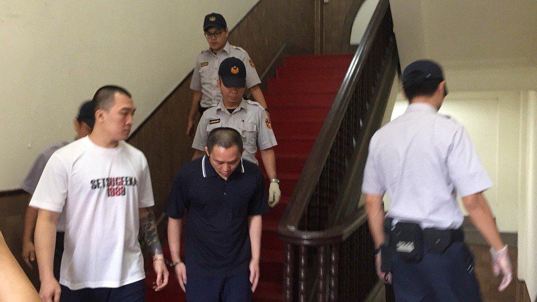 沈文賓主動向媒體鞠躬,說「我知道錯了。」記者賴佩璇╱攝影