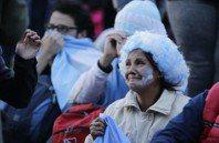 影/阿根廷遭血洗 球迷崩潰哭喊:我們是爛國家!