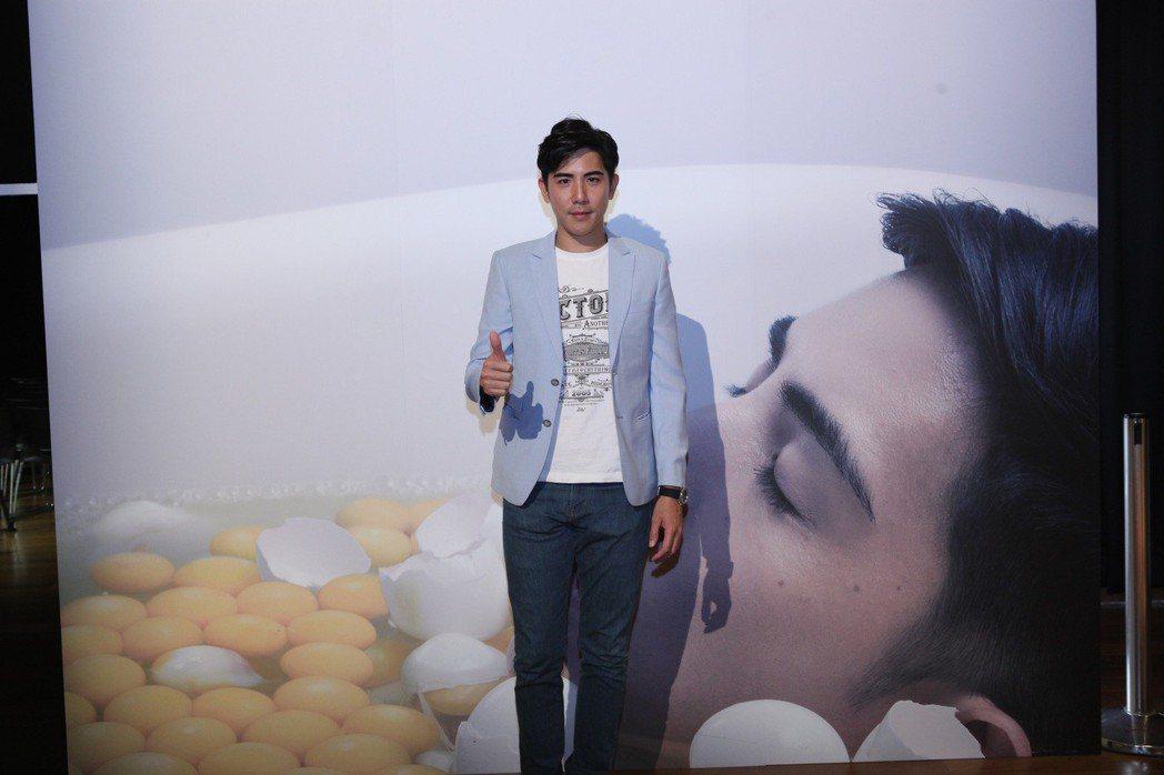 黃尹浩自編自導自演短片「雞•蛋」,有大尺度驚人演出。圖/星格創意提供