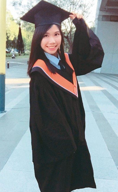 王映璇去年考取地方特考三等會計。 圖/王映璇提供
