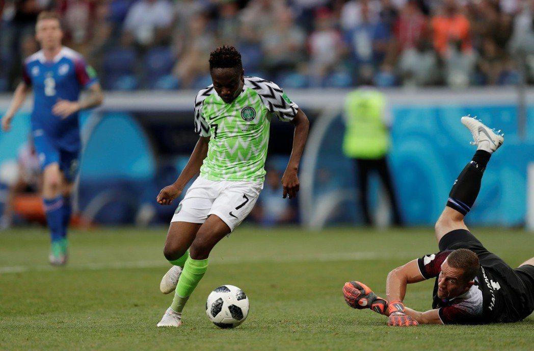 奈及利亞前鋒穆沙梅開二度,助隊以二比○擊敗冰島。 (路透)