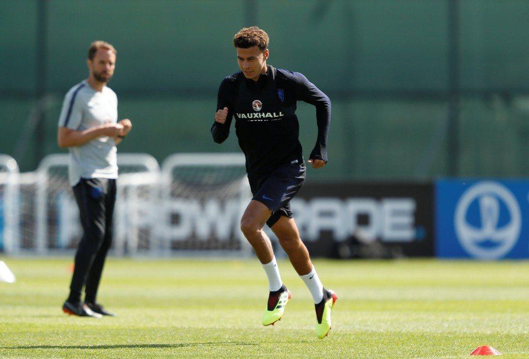 受傷的英格蘭中場球星阿里恢復訓練,但還不確定能否趕上對巴拿馬之役。 路透