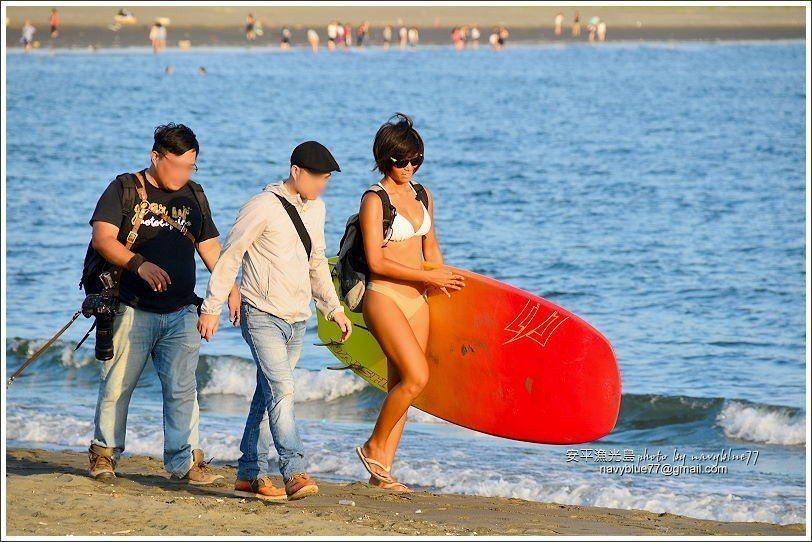 ↑立槳沖浪、風浪板、沖浪板等各種水上活動都有。