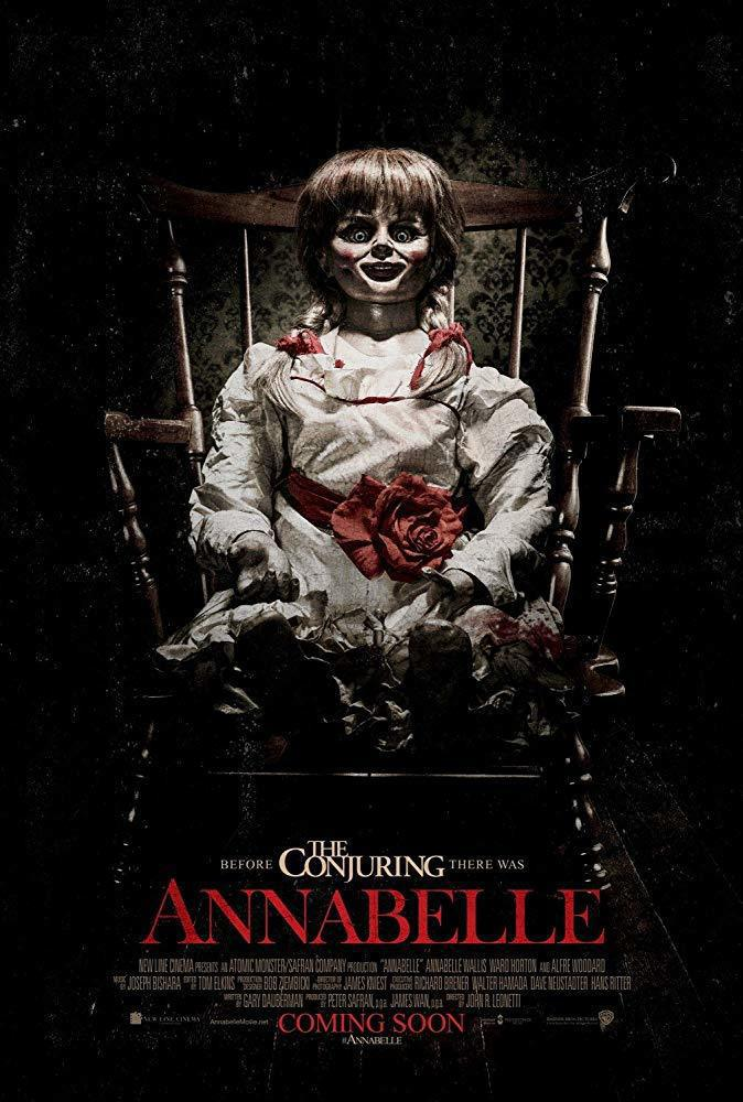 「安娜貝爾」裡的鬼娃娃,外觀也讓觀眾很有印象。圖/摘自imdb