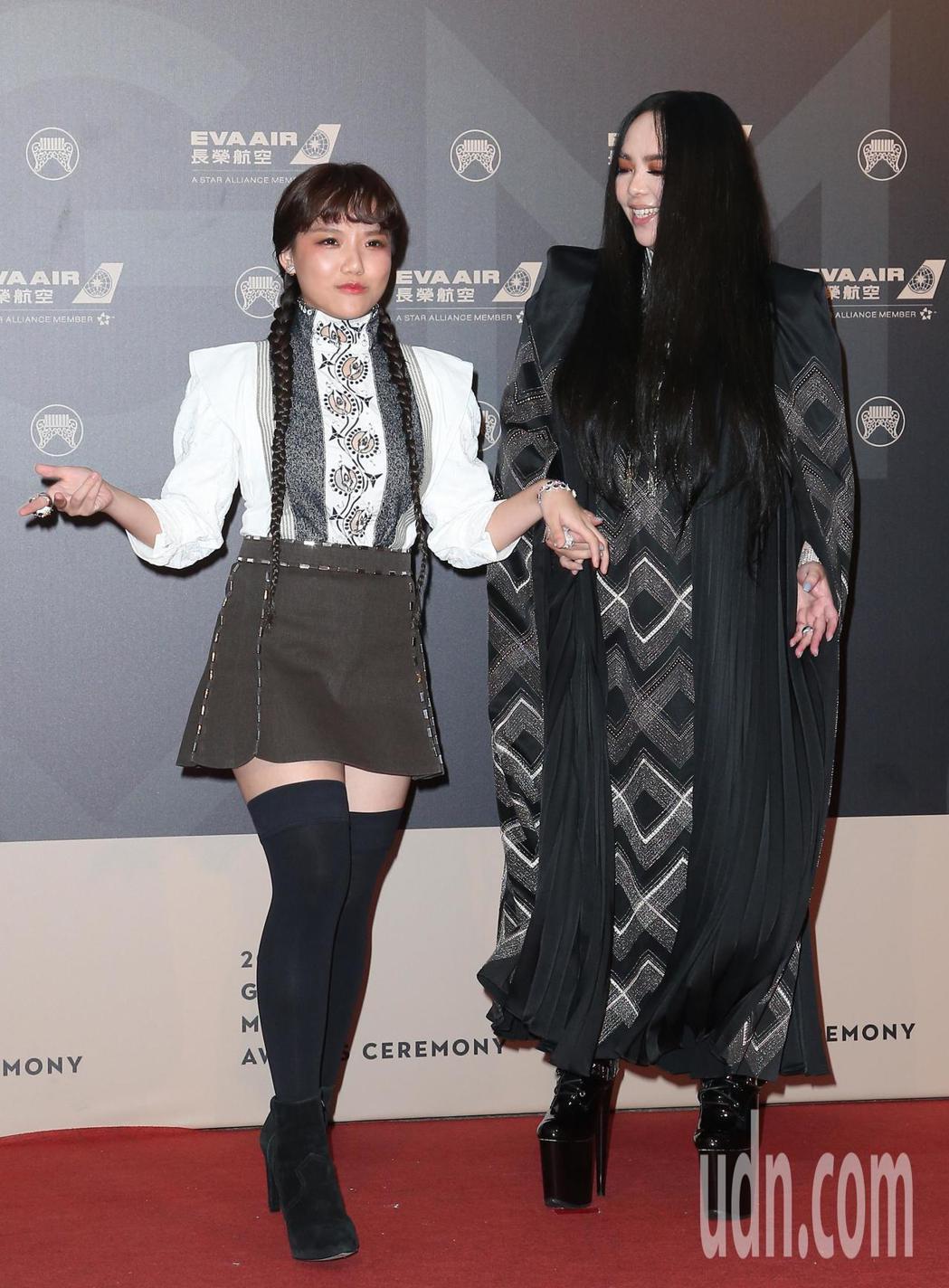 29屆金曲獎,張惠妹(右)與安那(左)走星光大道。記者陳立凱/攝影