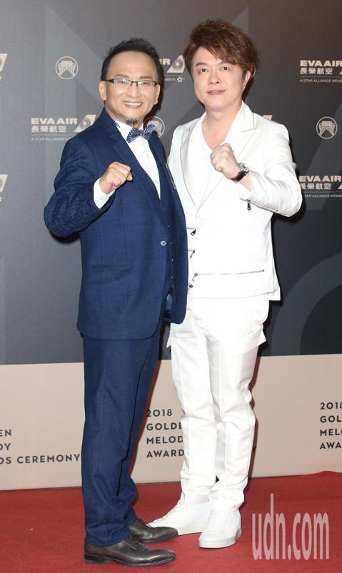 29屆金曲獎,翁立友與孔鏘走星光大道。