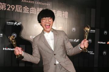 盧廣仲獲最佳作曲人獎。