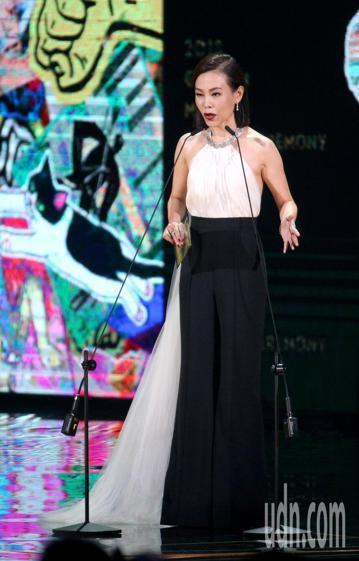 彭佳慧出席金曲獎擔任頒獎人。