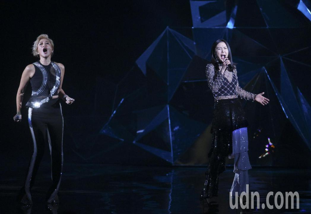 A-Lin與譚維維演唱。記者林伯東/攝影