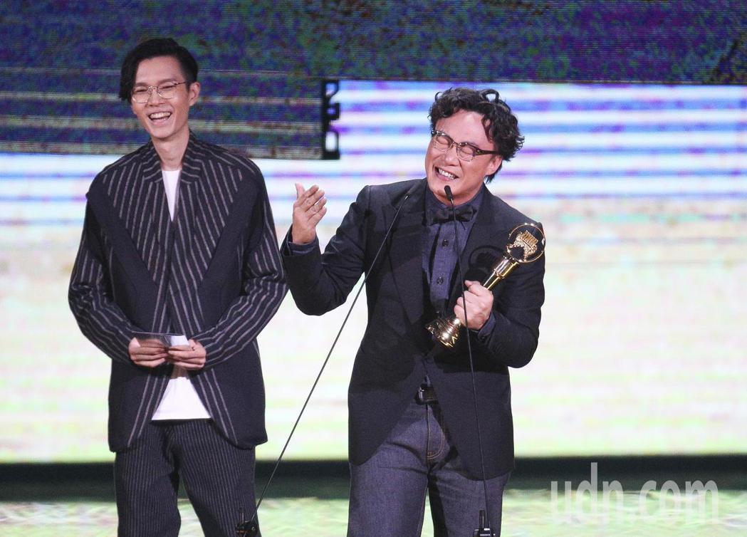 方大同頒獎,最佳國語男歌手獎 陳奕迅。記者林伯東/攝影