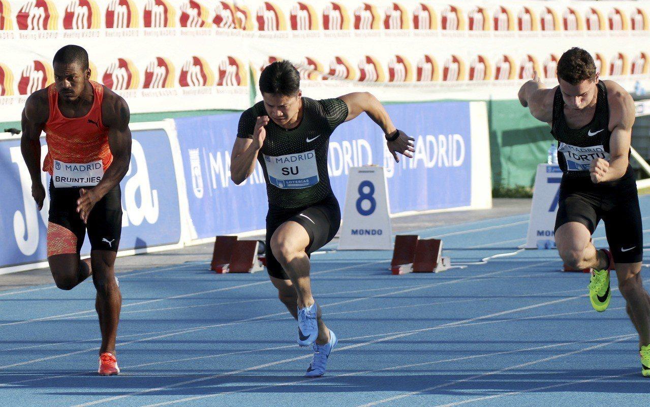 百米9秒91,中國蘇炳添是跑最快的黃種人。 新華社