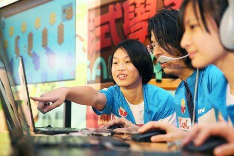台大電機系教授葉丙成走在翻轉教育前端,靠著一款結合教育意義的線上遊戲平台PaGa...