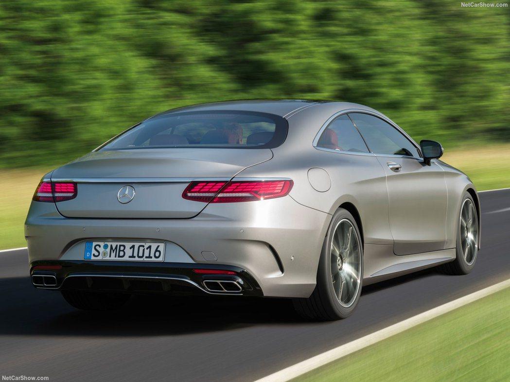 車尾與C、E系列並沒有太大的差異。 摘自Mercedes