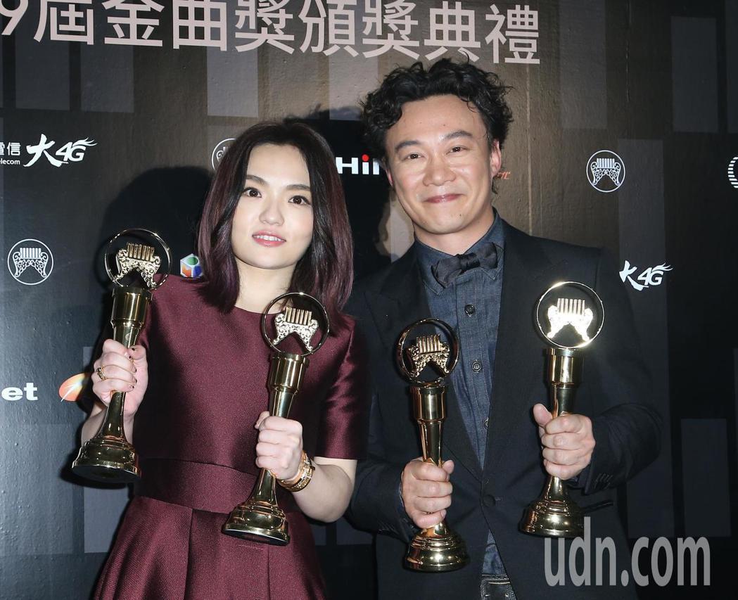 金曲獎最佳國語男、女歌手由陳奕迅(右)、徐佳瑩(左)獲得。記者陳立凱/攝影