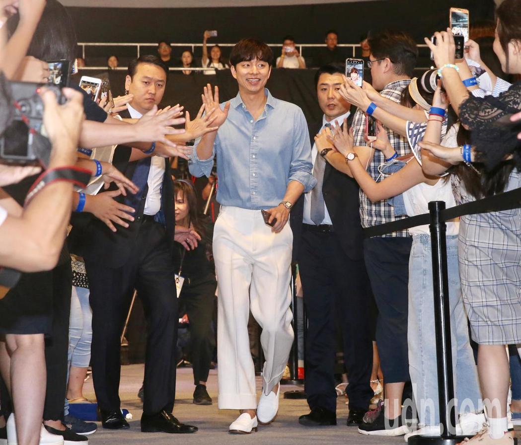 孔劉下午出席華碩Zenfone5攝影派對。記者林伯東/攝影