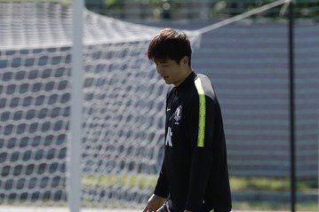 南韓隊長腳傷 對衛冕軍不踢了