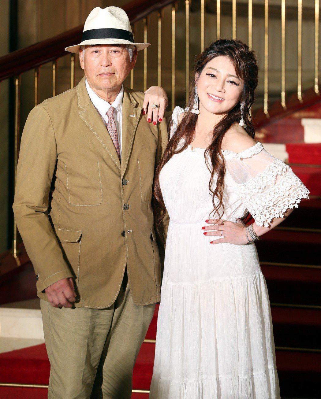 舞台劇「再會吧北投」演員柯一正(左)與王彩樺(右 )昨出席宣傳記者會。記者侯永全...