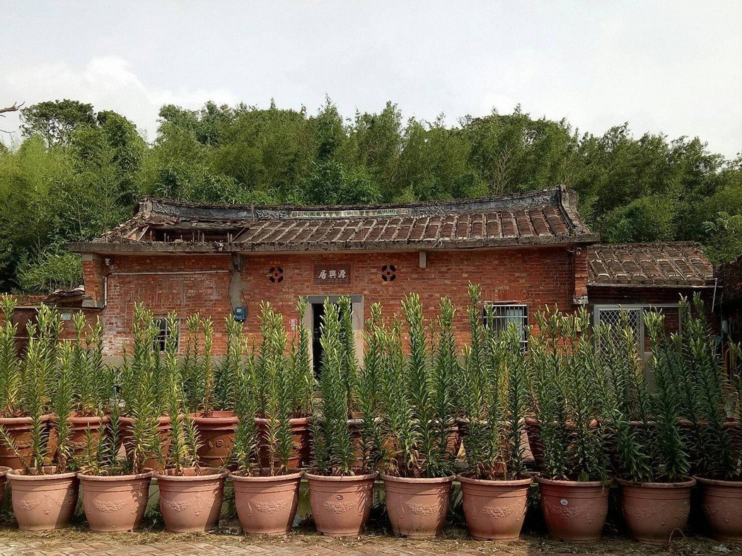 前總統李登輝故居三芝「源興居」,近1、2年屋頂坍塌約1/3,但受限產權屬私有且有...