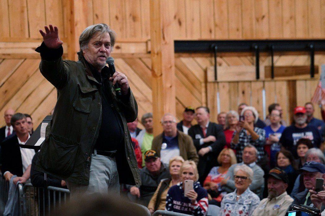 巴農去年11月在阿拉巴馬州為共和黨參議員候選人摩爾站台。(路透資料照片)