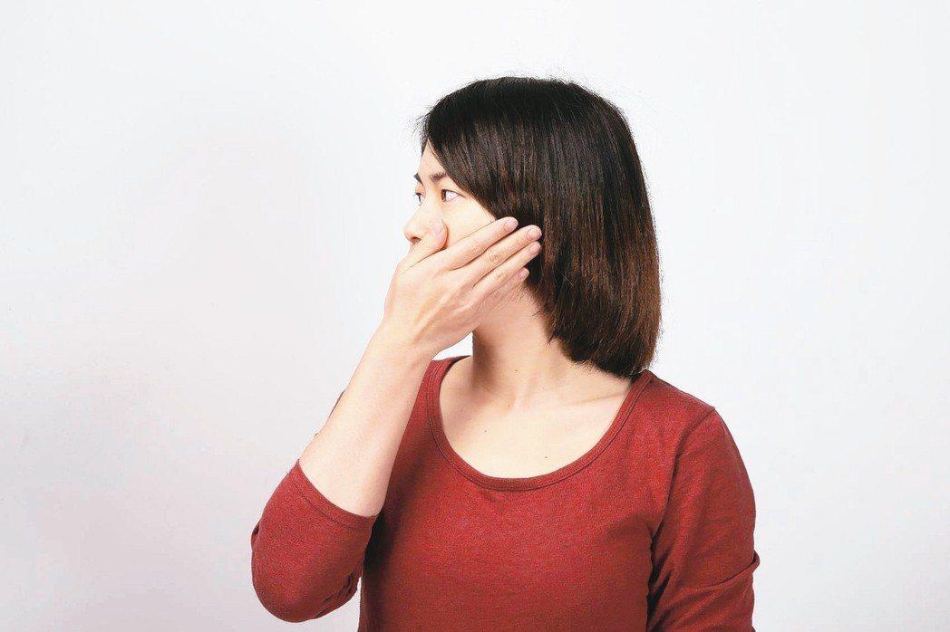 使用在臉上的保養品過多或過度清潔,可能使皮膚屏障能力下降。 圖/聯合報系資料照片