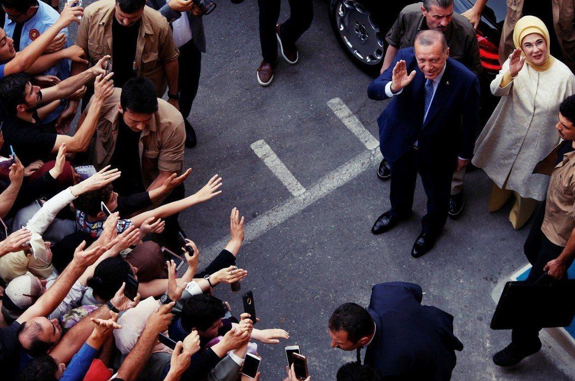 厄多安(右上)再度當選土耳其總統。 圖/美聯社