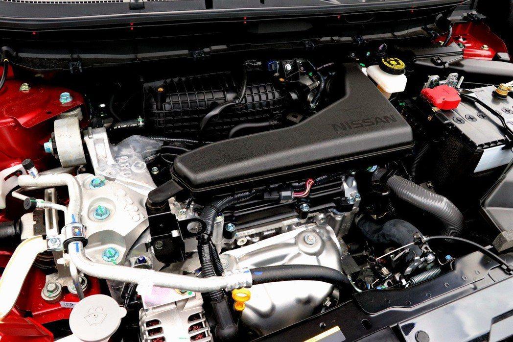 原廠代號「QR25DE」的2.5升自然進氣引擎。 記者陳威任/攝影