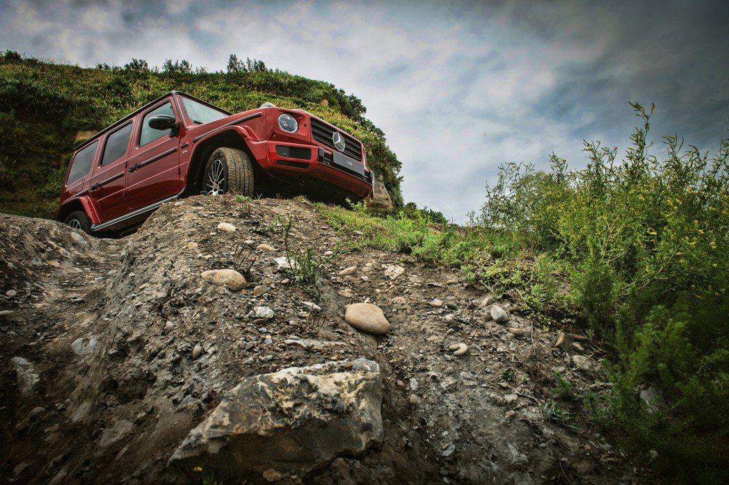 駕駛模式方面,小改款G500提供Eco、Comfort、Sport、Indivi...