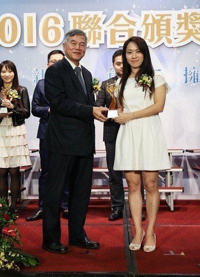 台灣投入 STEAM 教育科技第一品牌上尚文化,獲得2016年度經濟部中小企業處...