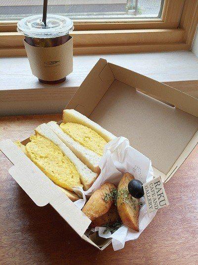 たまごサンド BOX( 雞蛋三明治 BOX)¥600/特製外帶餐盒,選用當地新鮮...