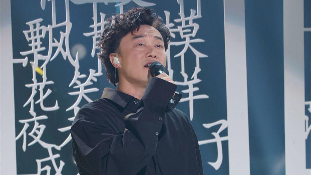 陳奕迅3度金曲封王,他也受邀擔任新一季「中國新歌聲」導師。圖/中天提供