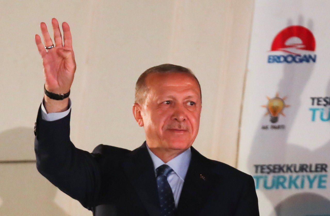 土耳其總統厄多安在24日大選中再次獲勝,未來他將有望一路做到2028年。路透