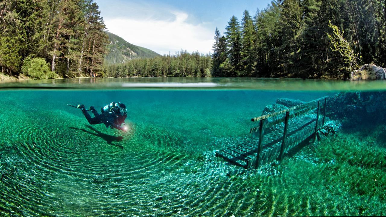 奧地利水珍珠「綠湖公園」,因四季變換,每年融雪後就會出現全球獨一無二的水底公園,...