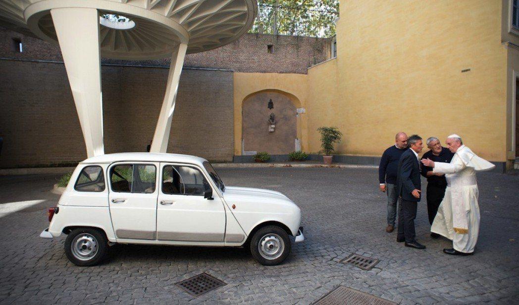 「教宗與他的12件收藏」劇照。圖/海鵬提供