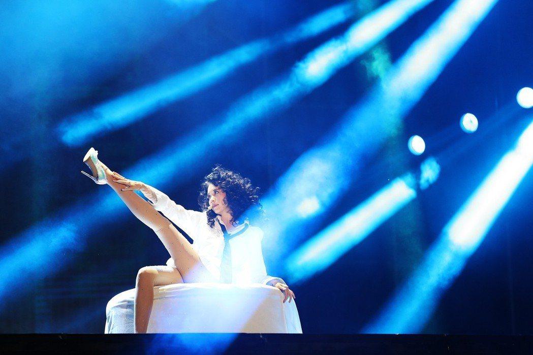 莫文蔚(Karen)世界巡演於23晚間在上海虹口體育場引爆。圖/莫家寶貝工作室提
